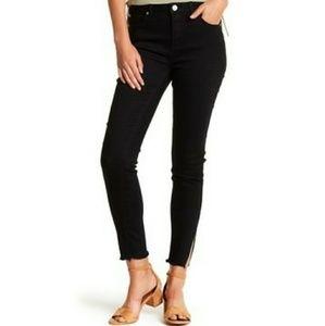 ASHLEY MASON Ankel Slit Frayed Jeans Raw Hem